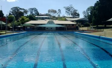Castlemaine_Swimming_Pool_960x440_pixels.jpg