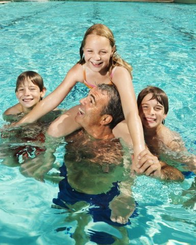 Maldon Swimming Pool (Central Victoria) - Family Programs, Parties, School & Group Activities